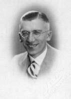 Inż. Fr. Przeździecki w 1933 r. Szef Wydziału Zapalników w Państw. Fabryce Amunicji w Skarżysku-Kamiennej.