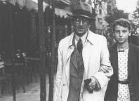 Inż. Przeździecki w roku 1943 w Warszawie ze swoją łączniczką i zarazem córką Irminą Przeździecką.
