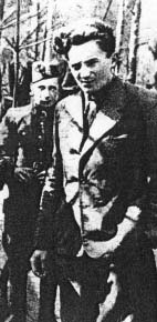 """Dowódca 3 kompanii 74. pp por. """"Alm"""" (Józef Kasza-Kowalski)."""