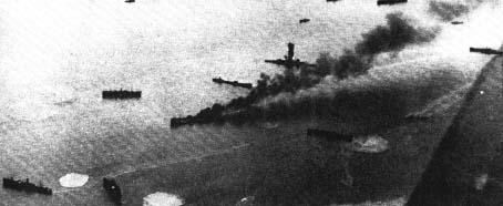 Angielskie okręty w zatoce Suda-Bucht (Kreta) bombardowane przez niemieckie lotnictwo podczas ewakuacji Korpusu Ekspedycyjnego z Grecji.