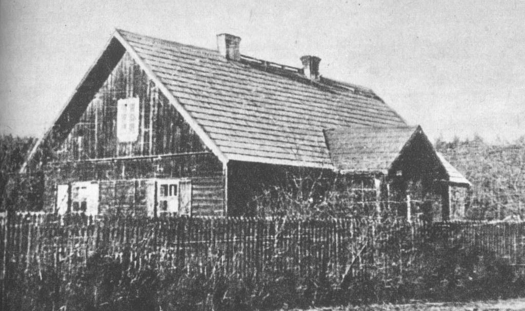 Leśniczówka Klepacze, miejsce schronienia i spotkań oddziałów partyzanckich z lasów starachowickich.